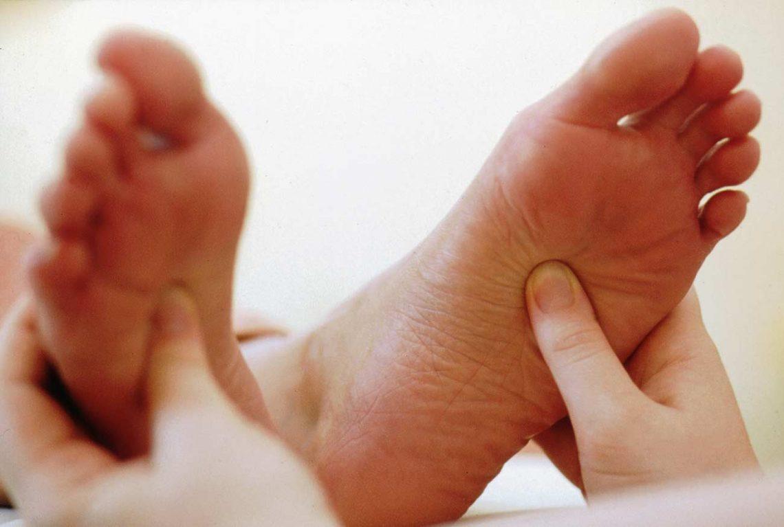 Fußmassage nach der Wanderung