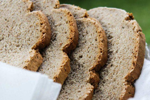 Verschiedene Brotsorten stehen zur Auswahl